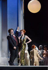 Samantha Gaul (Adele), Roberto Gionfriddo, Die Fledermaus (Theater Freiburg)