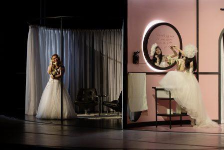Samantha Gaul (Susanna), Irina Park, Le Nozze di Figaro (Theater Freiburg)